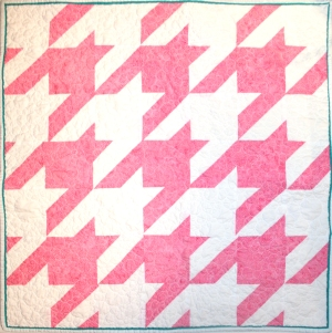 Houndstooth baby quilt